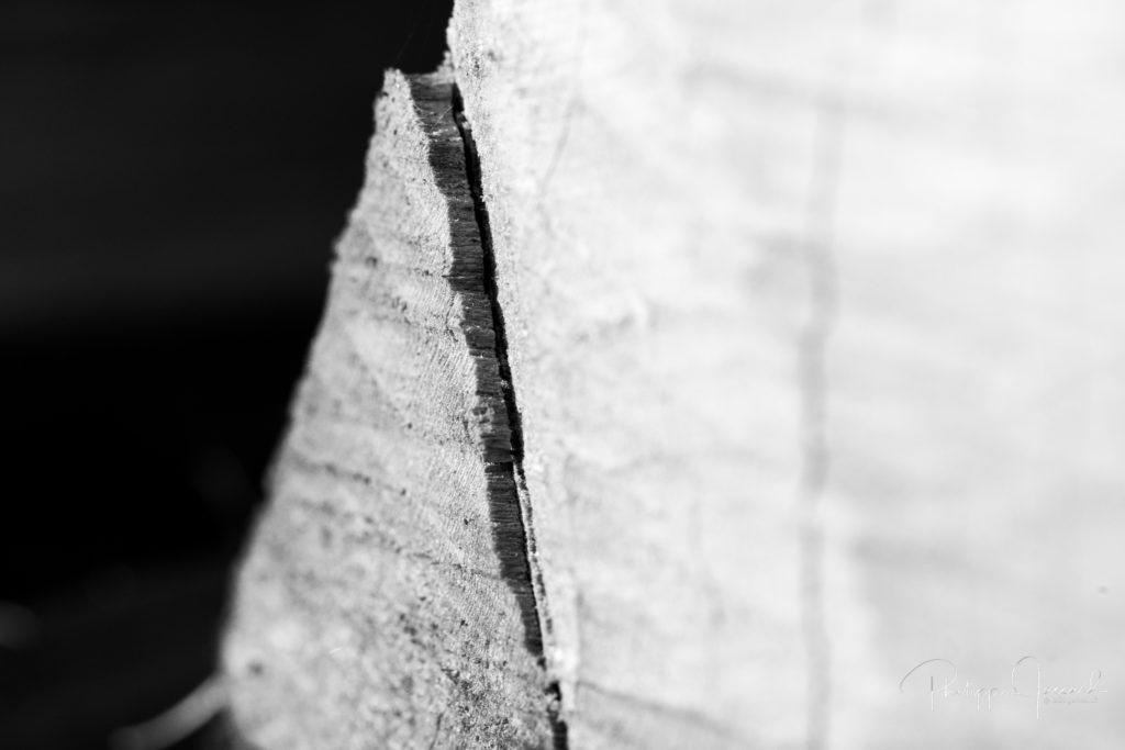 Pour ceux qui ont parcouru ces mers de dièdres et de dalles dans le massif du Mont-Blanc, cette vision leur sera terriblement familière @ près de chez moi – Etendues Granitiques par Philippe Jaccard